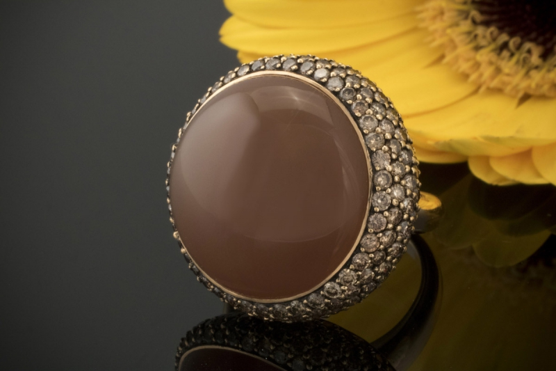 mondstein ring mond mit brillanten ausgefasst in 750er. Black Bedroom Furniture Sets. Home Design Ideas