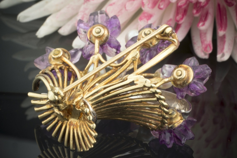 Alte brosche nadel blumenkorb mit amethyst perlen for Minimal art merkmale