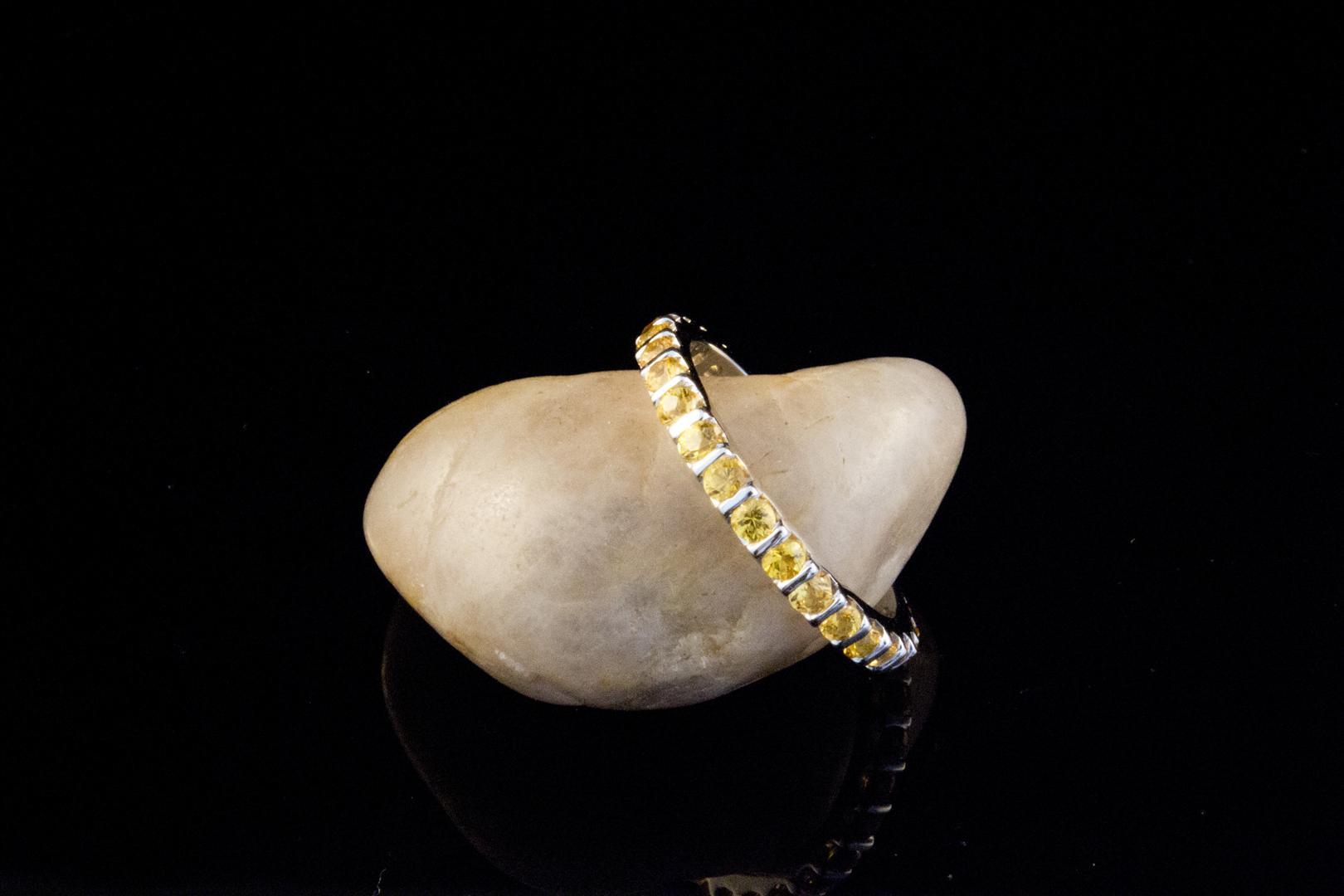 schmuckgebiet shop memoire ring 750 weissgold 18 karat gelbe saphire gold echten schmuck. Black Bedroom Furniture Sets. Home Design Ideas
