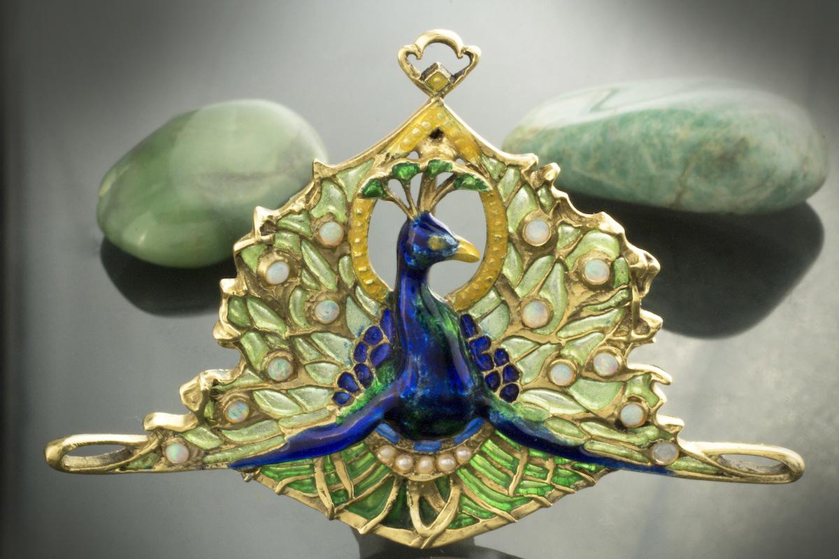 schmuck antik brosche nadel pfau tier motiv mit emaille opal perlen 750 gold ebay. Black Bedroom Furniture Sets. Home Design Ideas